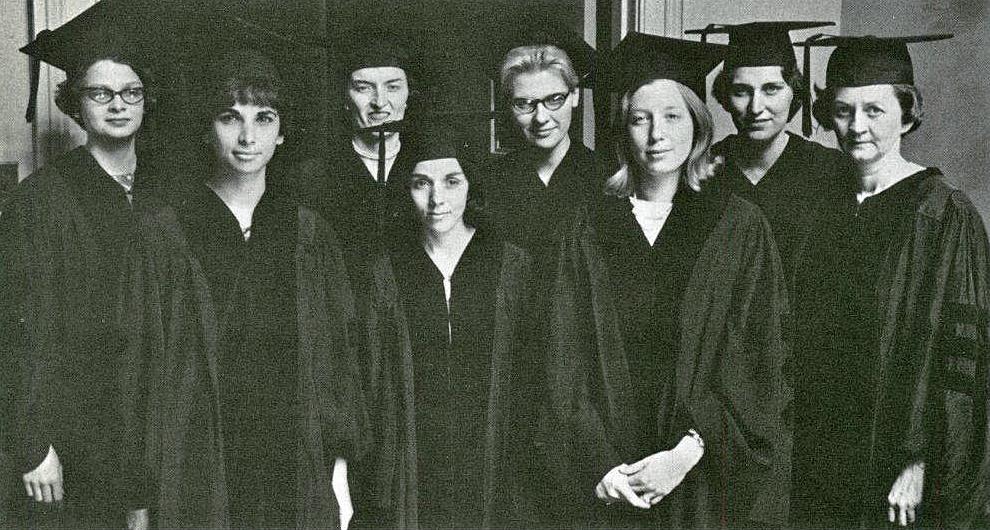 women_graduates